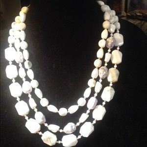 NWT Sugarfix navy and white marble stone necklace